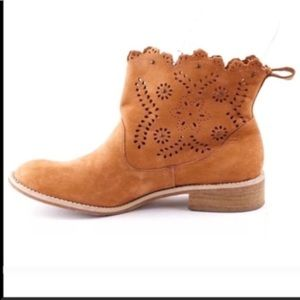 Anthro Miss Albright laser cut booties brown 6